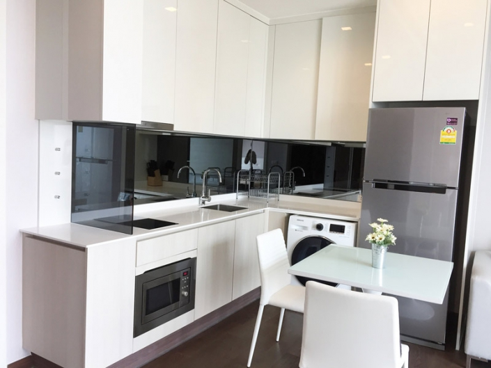 q asoke condo kitchen